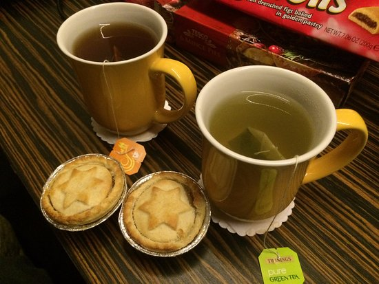 BEST WESTERN Maitrise Hotel: Provviste di tè in camera, sempre nuove ogni mattina.