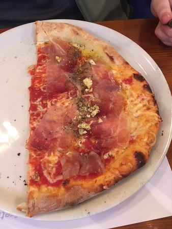 Pizzeria Lira : Very good Pizza