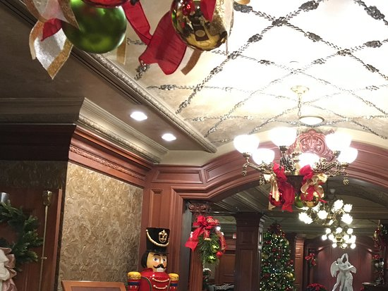Prince Christmas Decorations.Decorations Picture Of Prince Of Wales Niagara On The