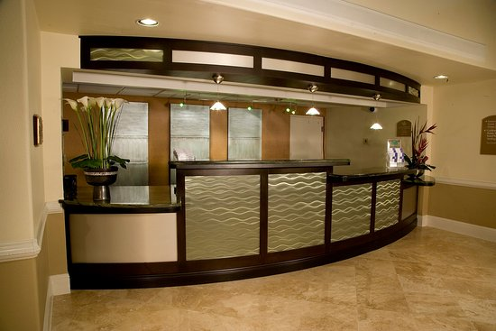 Holiday Inn Viera Conference Center: Front Desk