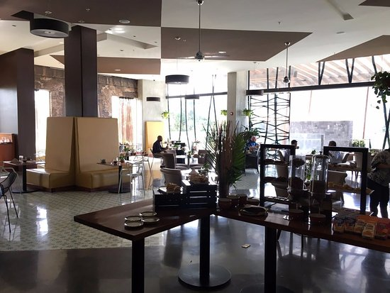 Sheraton San Jose Hotel: sophisticated ambiance for fine dinning