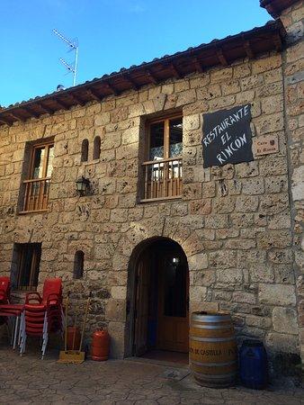 Orbaneja del Castillo, Spain: Fachada del local