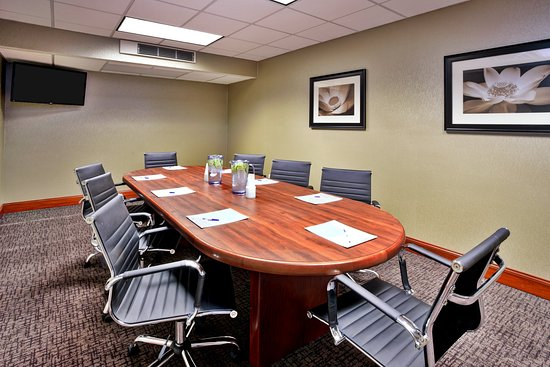 Holiday Inn Express Grand Rapids-North: Board Room