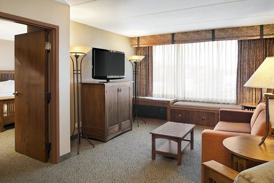 Welcome to the Doubletree Hotel Libertyville - Mundelein!