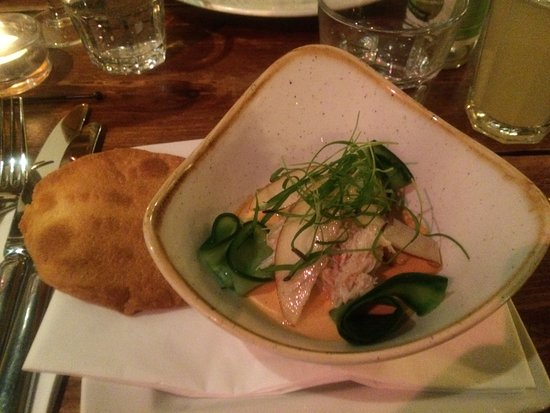West Hoathly, UK: Crab starter - fresh and delicious