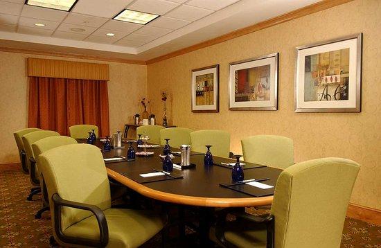 Hilton garden inn atlanta airport millenium center college park ga hotel reviews photos for Hilton garden inn atlanta airport millenium center