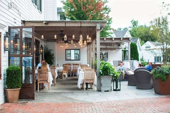 Southport, CT: Courtyard