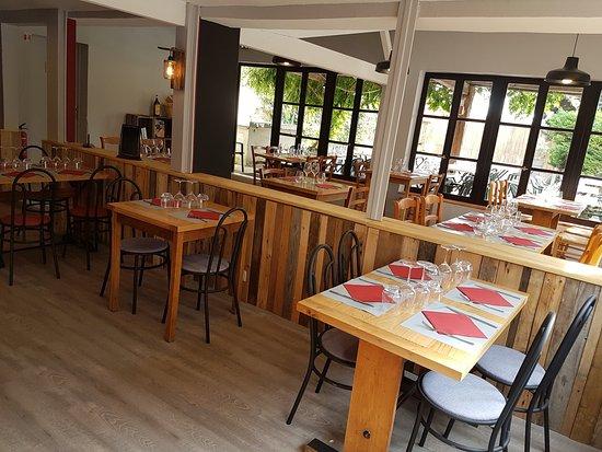 Arnas, France: Le décor de l'assiette buissonnière