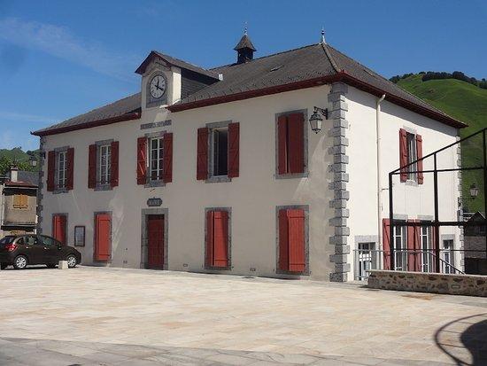 Alentours l'Église Saint-Jean-Baptiste, Larrau (Pyrénées-Atlantiques, Nouvelle Aquitaine), Franc