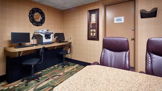 Best Western Plus Executive Suites Photo