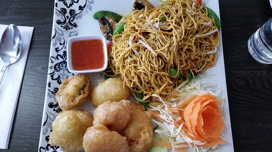 Harston, UK: Tempura Vegetables and Vegetable Chow Mein