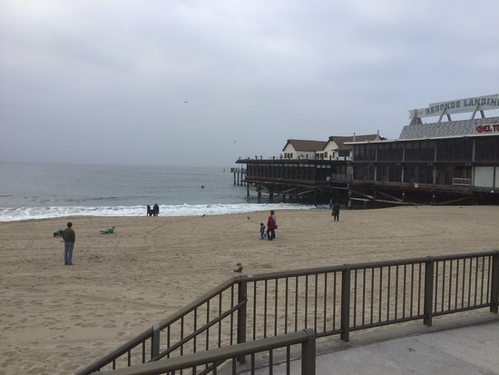 Redondo State Beach: Nice quiet beach with a beautiful pier!
