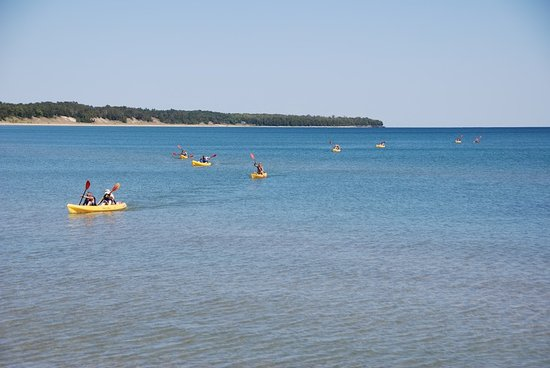 Sturgeon Bay, WI: Going on a Kayak tour with door county kayak tours past whitefish bay dunes state park