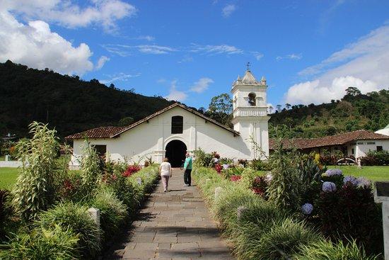 Iglesia de San Jose de Orosi and the Museum