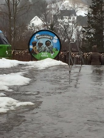 Waterbury, Vermont: outside rainy view
