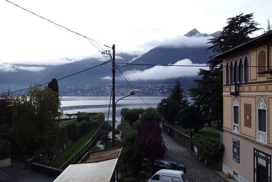 Faggeto Lario, Italia: Evening view from the room