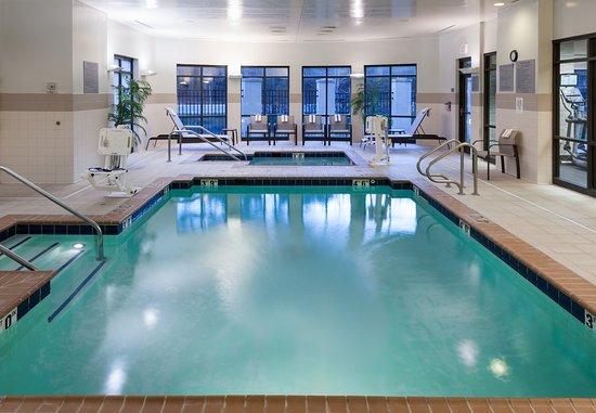 Suffolk, VA: Indoor Pool and Whirlpool