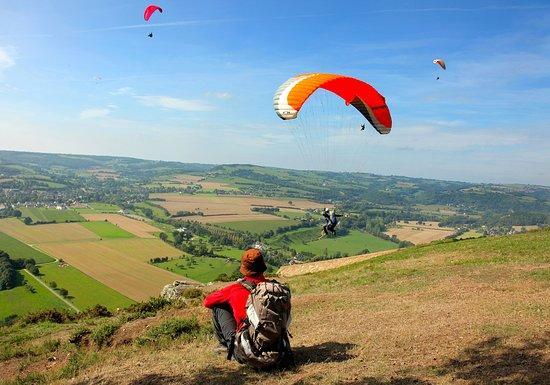 Calvados, ฝรั่งเศส: Parapente en Suisse Normande - Photo Grégory Wait