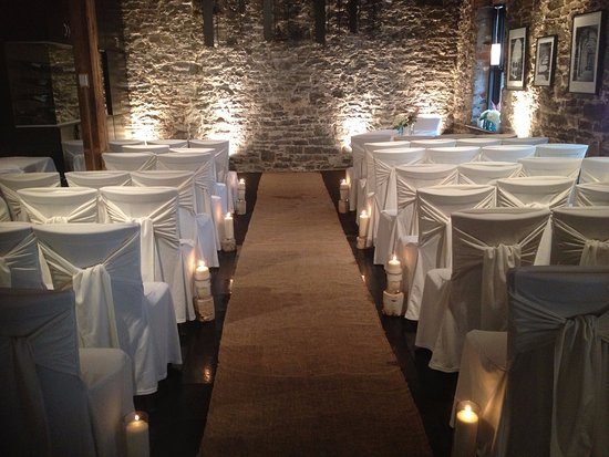 Courtyard Restaurant Wedding Ceremony