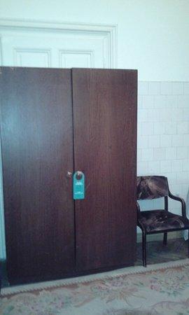 George Hotel: Это шкаф в номере