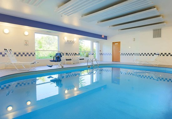 Fairfield Inn Zanesville: Indoor Pool