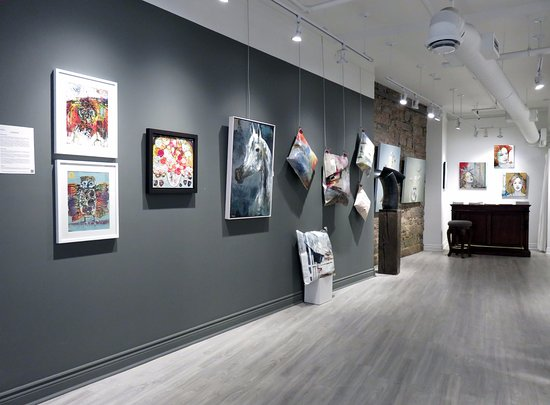 Galerie d'art Blanche : Located in Old Montreal, Galerie Blanche is dedicated to exhibiting the best of contemporary art