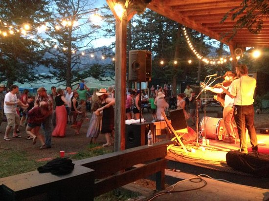 Livingston, MT: Show-goers dancing to the music.