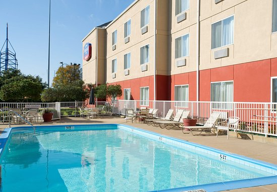 Fairfield Inn & Suites Dallas DFW Airport North/Irving: Outdoor Pool