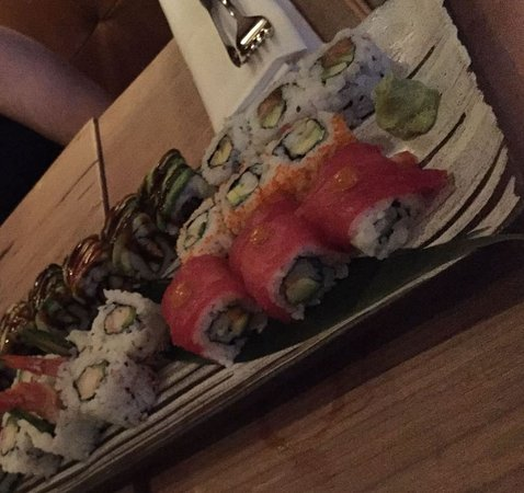 DSTRKT Restaurant and Bar: Maki sushi