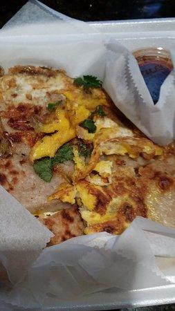 Milpitas, CA: taro 전: 달걀과 간 땅콩 등도 같이 들어있다.