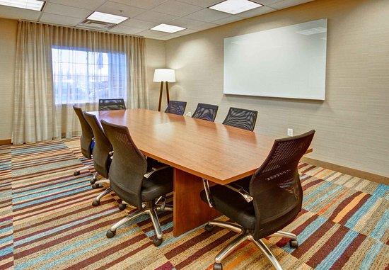 Malta, Estado de Nueva York: Boardroom