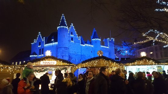 Steen castle during the Christmass market