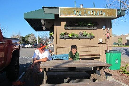 San Mateo, Californië: The best 100 square foot eatery anywhere!