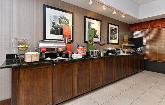 Carol Stream, Ιλινόις: Free Breakfast