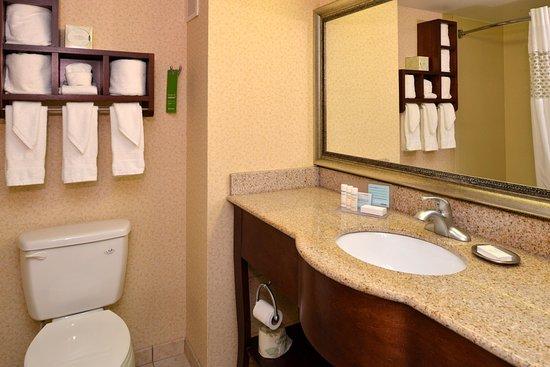 Staunton, VA: Bathroom Vanity
