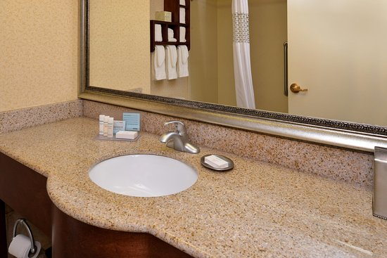 Staunton, VA: Bathroom Area