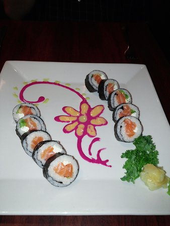 Wilton Manors, FL: Our sushi appetizer -- had to take a picture!