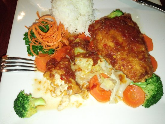 Wilton Manors, ฟลอริด้า: Crispy Grouper -- one of my favorite dishes from Galanga's.