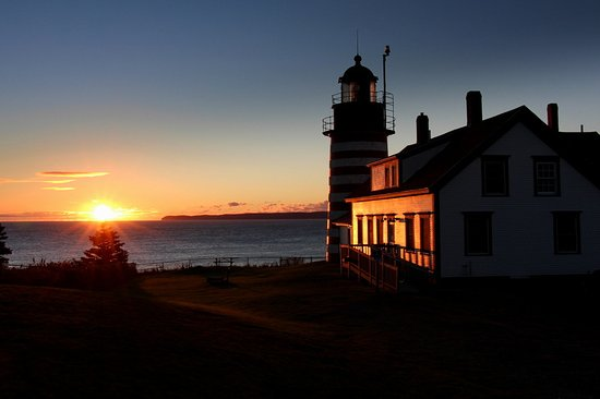 Lubec, Мэн: First sunrise, September 2016, at W Quoddy Light.  Nino and Bunny Colett