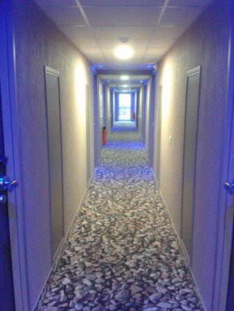 corridor to photo de inter hotel le garden tours sud chambray l s tours. Black Bedroom Furniture Sets. Home Design Ideas