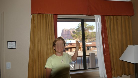 The Views Inn Sedona: This is the view from the room