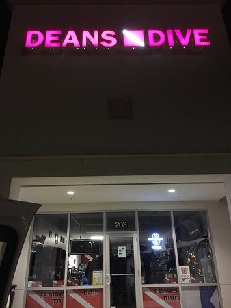 Deans Dive Center