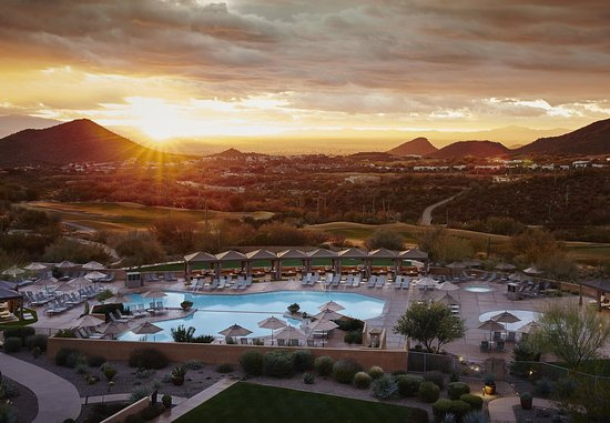 JW Marriott Tucson Starr Pass Resort & Spa: Sunrise At The Resort