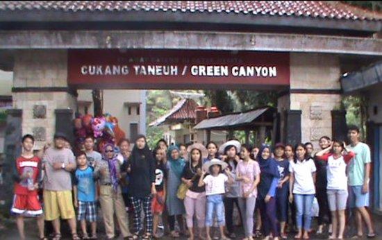 West Java, Indonesia: Foto bersama dengan wisatawan lain