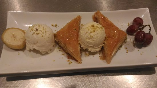 Dartmouth, Canada: Baklava with Icecream