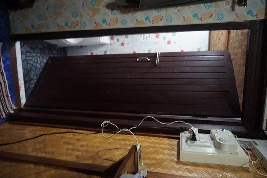New Hut Bungalows: DSC03140_large.jpg