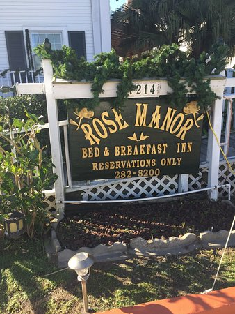Rose Manor Bed and Breakfast: photo1.jpg