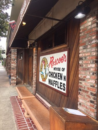 Beverly Hills, CA: Some of the best and most famous comfort food in Los Angeles, Roscoe's House of Chicken n Waffle
