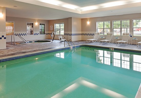 Rocky Hill, CT: Indoor Pool & Whirlpool