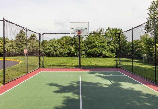 Rocky Hill, CT: Sport Court